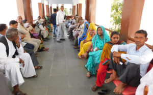 हमीरपुर:यूएसए के विशेषज्ञ डाक्टरों ने सैकड़ो मरीजों का किया चेकअप