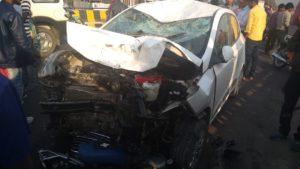 गोरखपुर-बाईक व कार में टक्कर, परीक्षा देने जा रही छात्रा की मौत,दो छात्र गम्भीर घायल--