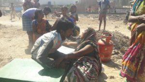 Lucknow-मलिन बस्ती में  भीषण आग लगने से मचा हड़कंप