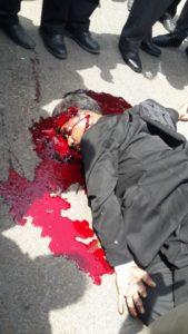 वकील की बीच सड़क पर दिन दहाड़े गोली मारकर हत्या, नाराज वकीलों ने फूंकी बस