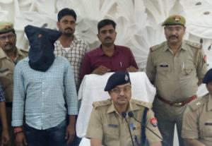 झांसी के चर्चित व्यवसायी संजय वर्मा पर हुए गोली काण्ड के आरोपी को पुलिस ने पकड़ा चेकिंग के दौरान!