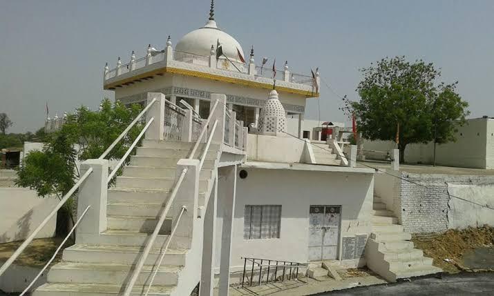 जालौन-कोरोना वायरस से बचाव हेतु पंचनद के मंदिर 31 मार्च तक बंद।