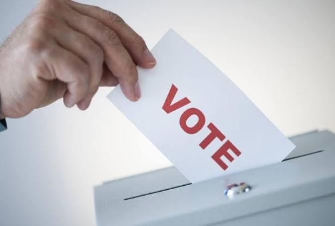जालौन में कुल1845 मतदान स्थलों पर दिनांक26अप्रैल2021 को पूर्वान्ह 07ः00 बजे से अपरान्ह 06ः00 बजे तक मतदान सम्पन्न होना हैं।